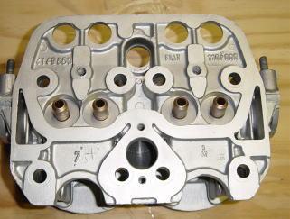 今回のエンジンオーバーホールは、全てのアルミパーツにウエットブラスト処理を施しました。