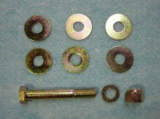 リアサスアーム固定ボルト&調整シムです。 これもクロメートメッキをかけてあります。
